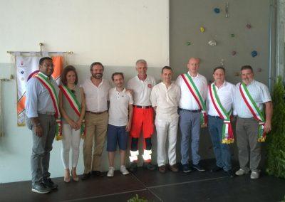 Nella foto i sindaci di alcuni Comuni Trentini con il presidente dell'Associazione Le Tre Porte ed il vice presidente della Croce Bianca Rotaliana